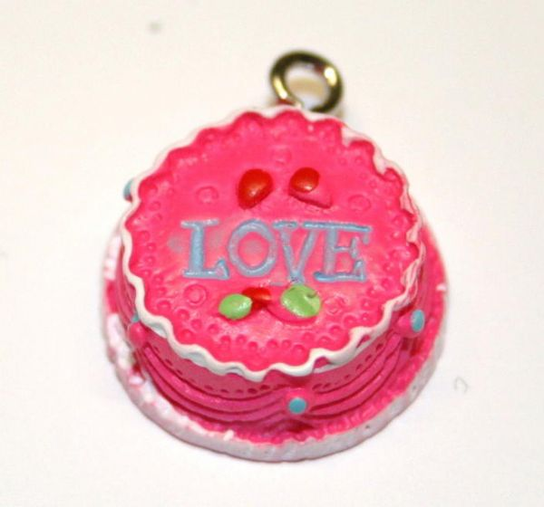 ICE PINK LOVE CAKE FOOD CHARM 17MM CHFD1049